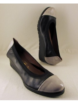Zapato Salon Cuña Charol Gris Perla & Piel Negra