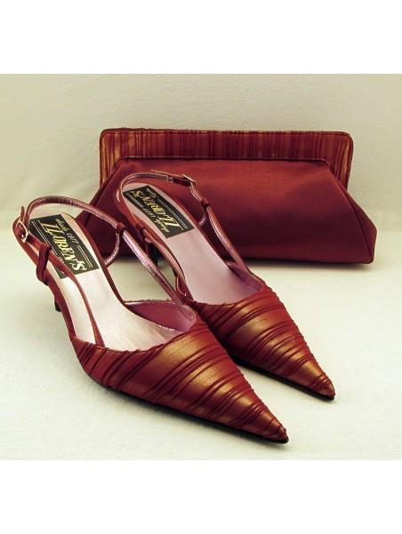 Zapato de fiesta raso burdeos